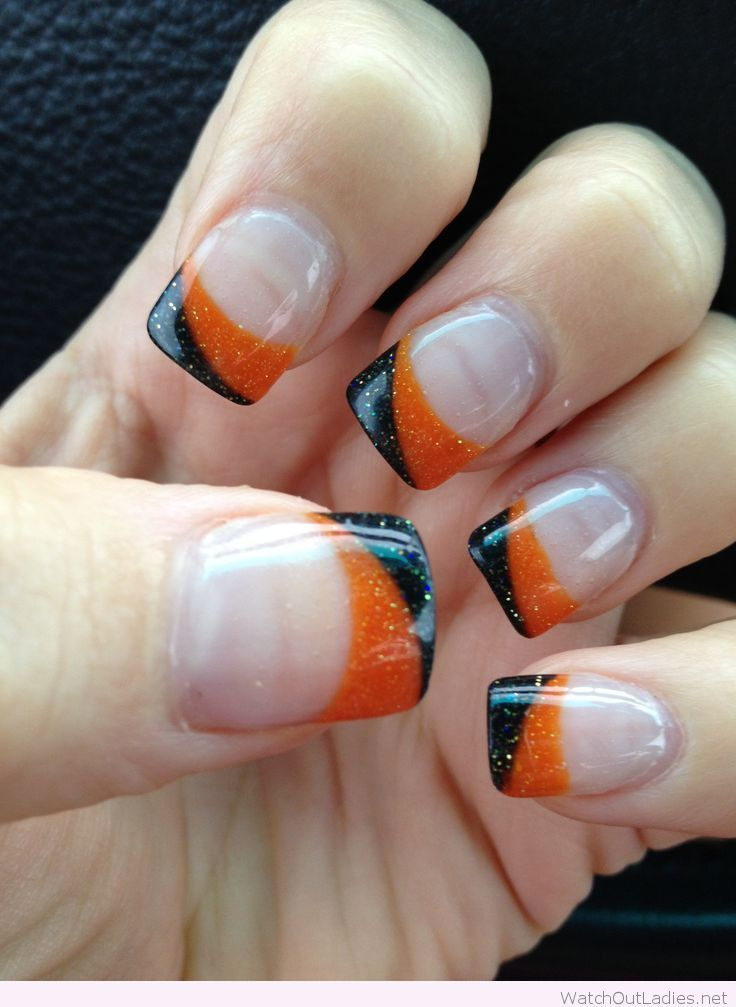Simple orange and black manicure for Halloween