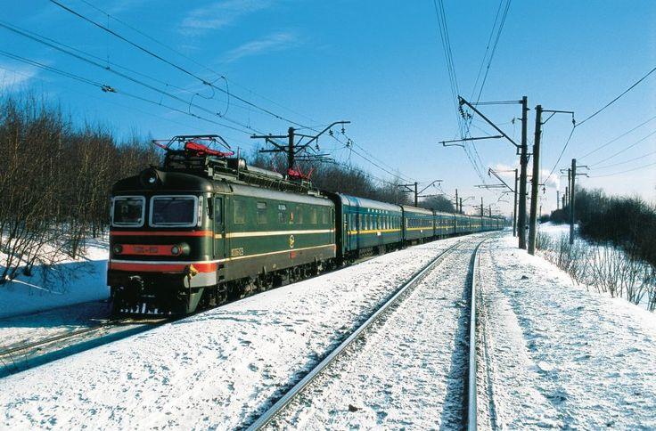 Ein echter Reise-Klassiker: Die Transsibirische Eisenbahn in der verschneiten...