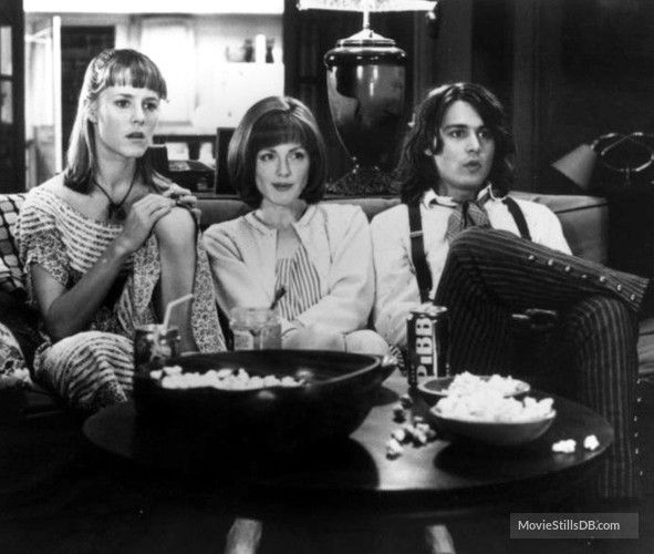 Benny And Joon (1993) Mary Stuart Masterson, Julianne Moore and Johnny Depp