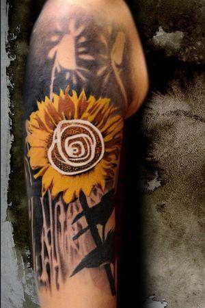 Sunflower Tattoo #Sleeve by Buena Vista Tattoo Club in Würzburg, Germany. #Tattoo