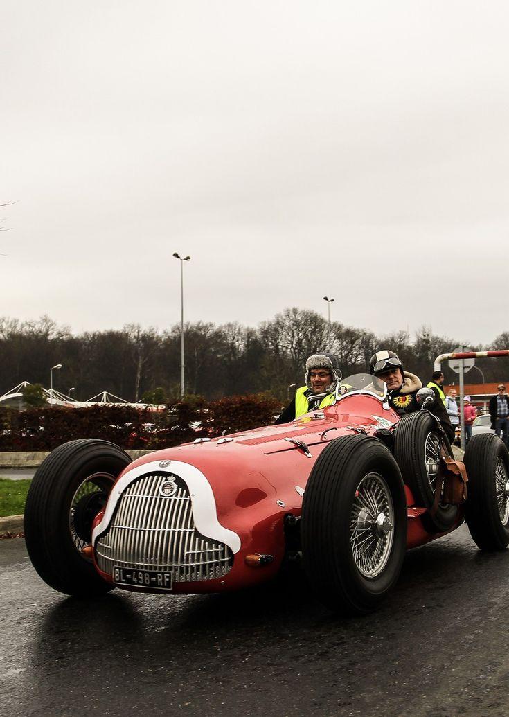 17 best images about alfa romeo racing cars on pinterest for Garage alfa romeo paris