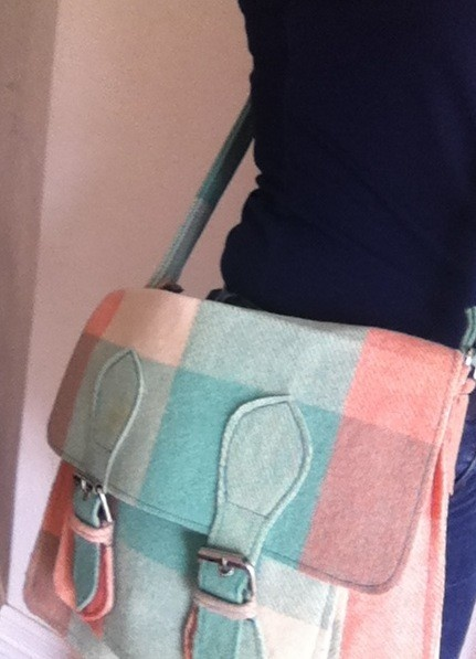 I made this Upcycled Wool Blanket Satchel - it was snapped up by someone within a few days of posting on Keepsakes on madeit.com.au. Need to make more! Come back LSL!!!