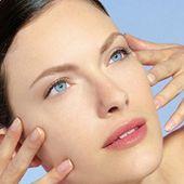MICRODERMABRASION - Viva la Donna - Kosmetik aus Heilbronn - Neu bei Viva la Donna MICRODERMABRASION  mehr als ein Peeling! Mikrodermabrasion ist eine effektive Peelingmethode, bei der durch neuste Technologie Kristallsand auf die Haut aufgebracht wird und dort sanft abgestorbene Hautzellen abträgt. Das Hautbild wird sofort spürbar verbessert, die Haut fühlt sich zart und glatt an. Sie wird ebenmäßiger, rosi