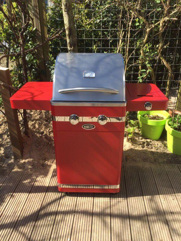Boretti Bernini Rosso | buiten koken op een luxe gas barbecue van @Boretti | tevreden klant van Kitchenoutlet.nl | Aalsmeer | levering door heel Nederland  https://www.kitchenoutlet.nl/barbecue_outdoor