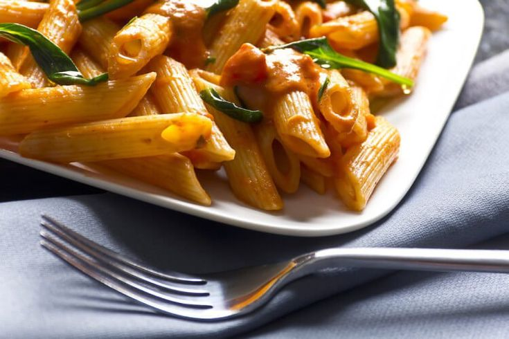 Delicious…from pasta sauce to dipping sauce. Spicy Cajun cream sauce is not only tasty, it's also very versatile. It's obviously a good choice for adding a touch of spice to basic pasta, but try it, too, topping some chicken cutlets or as a dipping sauce side to grilled shrimp. Lessen the heat by omitting the cayenne pepper …