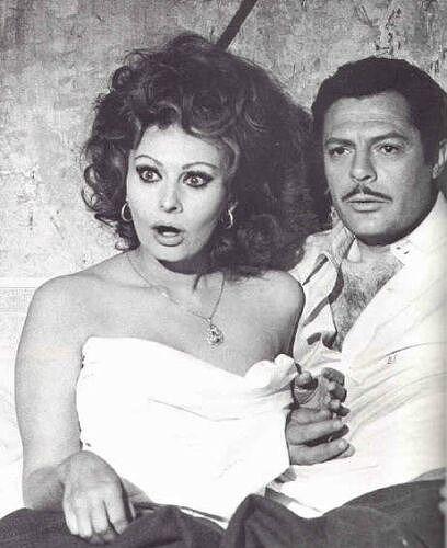 『ああ結婚』ソフィア・ローレンとマルチェロ・マストロヤンニ