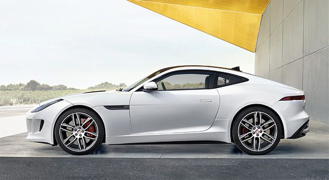 Jaguar F-TYPE R Coupé.