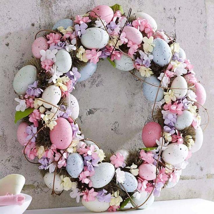 décoration de Pâques et couronnes de fête