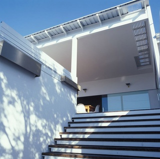 Entry brisbane architecture firm owen and vokes gardens for Architecture firms brisbane