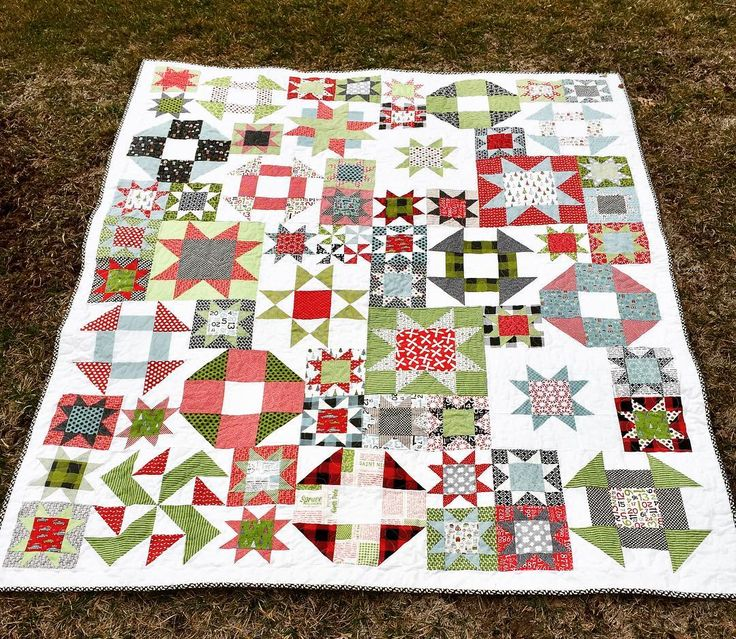 It's odd that I am able to photograph a quilt on the grass in early February. I made this for Dave's mom for Christmas, to match the pillow I gave her last year, but she died suddenly/unexpectedly on December 12, so it was set aside. Her birthday was 2 days ago, so that seemed like a good time to complete it. It makes me super sad. Guess I'll just wash it and put it away. It's a play on Lori Holt's #picnicquilt from #farmgirlvintage. #sweetwaterfabric #christmasquilt