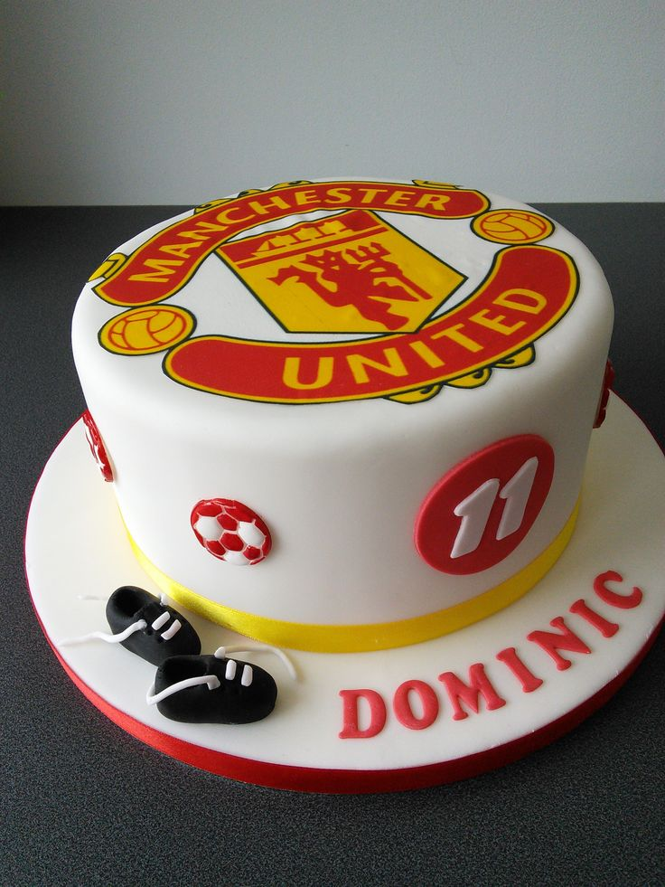 Manchester United football Club and football boots birthday cake