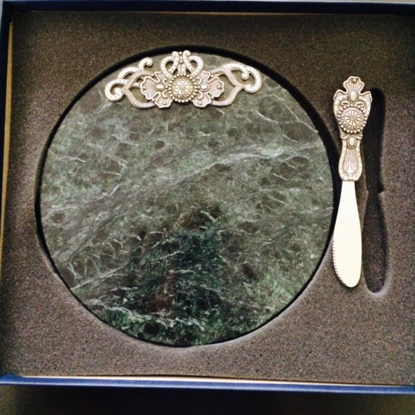 Seagull Pewter Marble Cheese Board & Spreader.