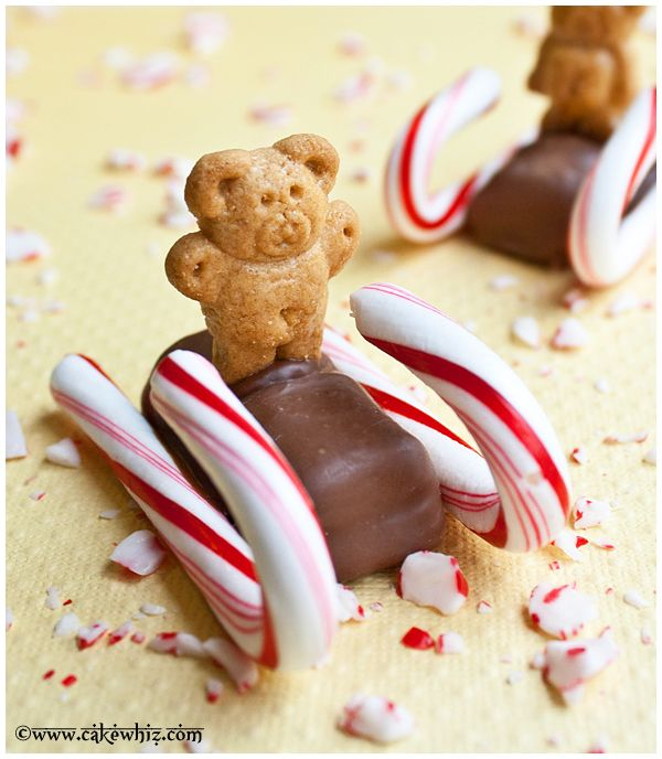 Cake Whiz | Christmas candy cane sleds. Also a version with candy presents.