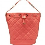 Coral quilted duffle bag R530 at Forever New