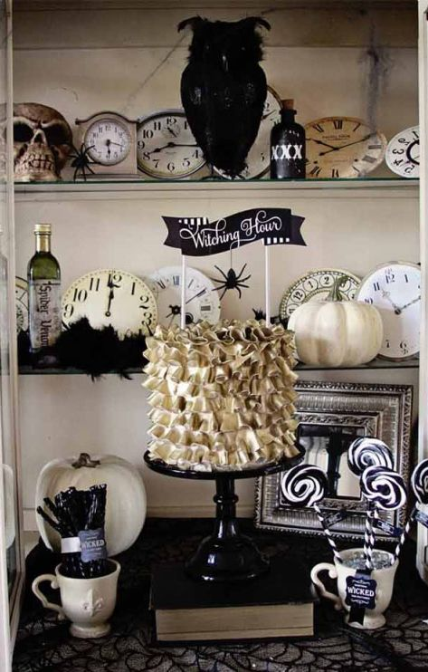 be on trend with a black and white halloween party source wwwloraleelewis - Black And White Halloween Party