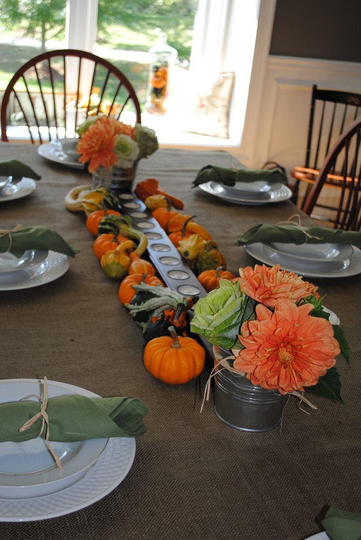 Simple thanksgiving tablescape give thanks pinterest for Easy table settings for thanksgiving