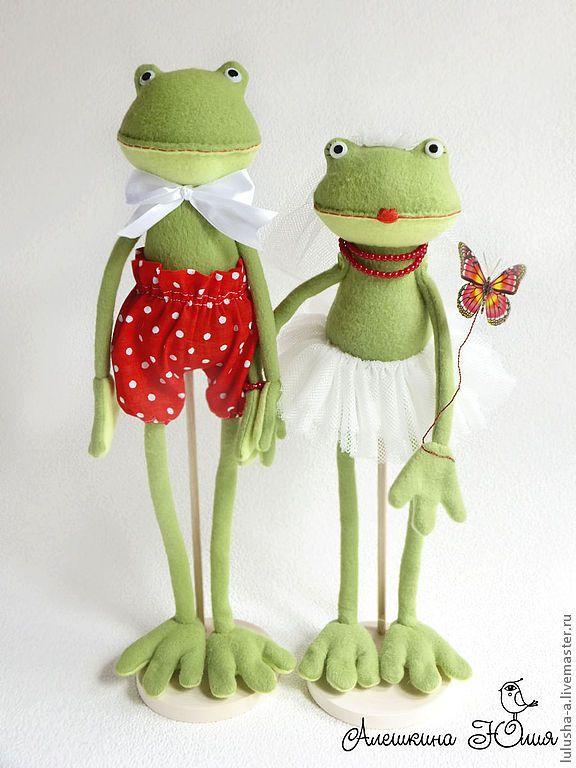 Soft toys Frogs / Купить Лягушки молодожены - зеленый, лягушки, жабы, лягушка, лягушонок, свадьба, свадебный подарок, молодожены