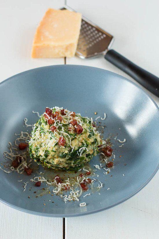 Tiroler Spinat Knödel mit Parmesan und brauner Speck Butter