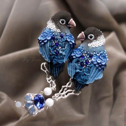 Beaded and embroidered brooches / Броши ручной работы. Ярмарка Мастеров - ручная работа. Купить двойная брошь - Сапфировые Неразлучники. Handmade. Птица, маленькая брошь