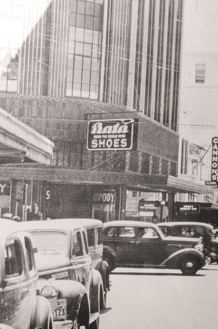 Vintage Picture of Bata Shoes in Honolulu, Hawaii, ca. 1940 #batashoes
