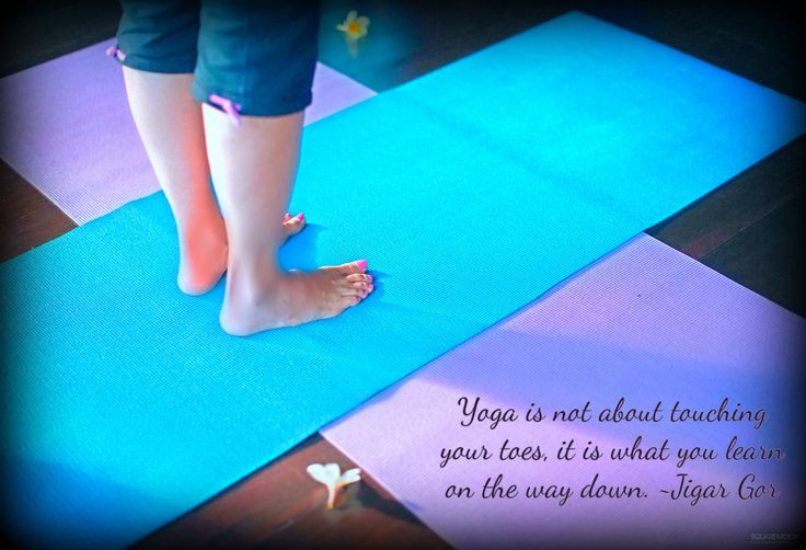 Week-end start with Hatha Yoga , Vinyasa flow and Yoga Pranala classes at intuitive Flow yoga studio in Bali.