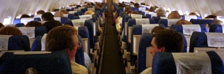 Bepergian Naik Pesawat Pilih Kursi Samping Jendela atau Lorong?