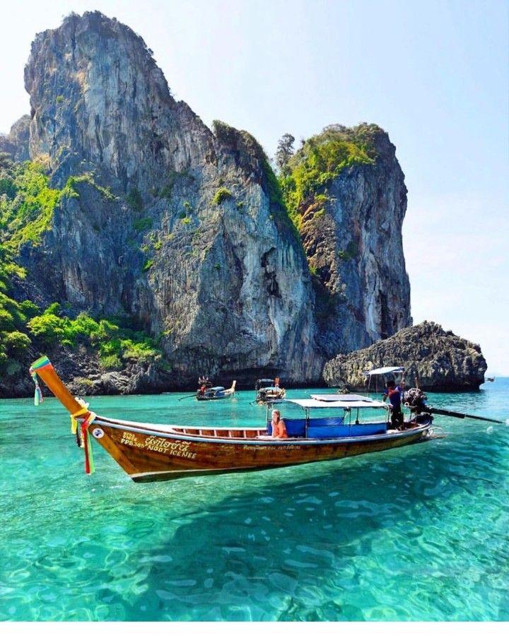 Phi Phi Island: Phi Phi Islands, Thailand . . . . . . . . Photography