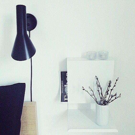 Ledgeable shelf as bedside table #soveværelse