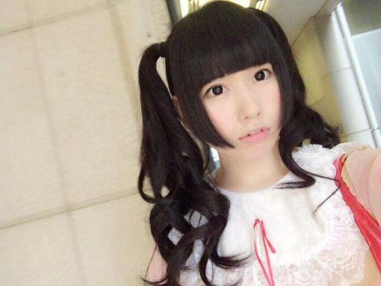 RT @sioringogo: お髪、10cm切ったなの トレードマークのツインテール ぱっつん前髪と姫カット、揃えてもらたなの http://flip.it/1J3IN