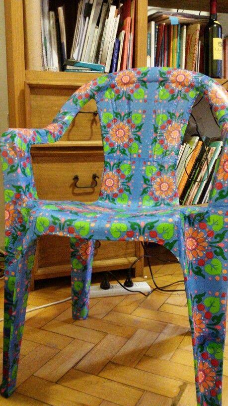 Decoupage a lo grande para alegrar el jard n materiales - Como forrar muebles con tela paso a paso ...