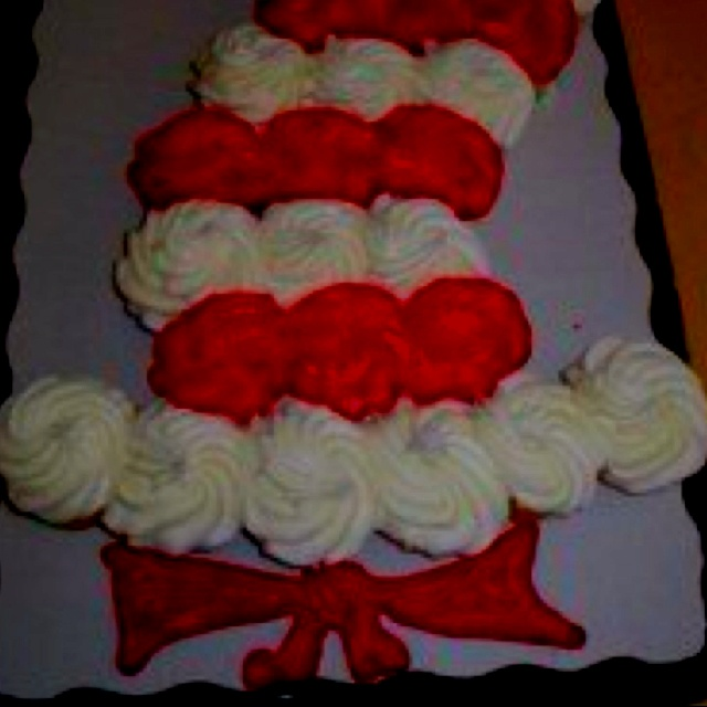 Cat In The Hat Cupcakes Suessical Day Pinterest