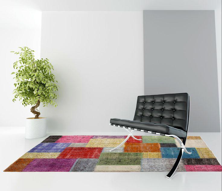 Een heel mooi voorbeeld van een prachtig #patchworktapijt uit Turkije in een minimalistisch strak #interieur.