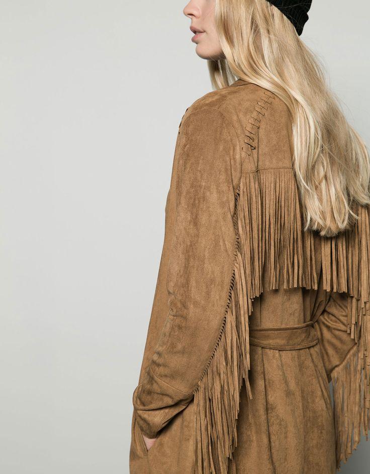 http://www.bershka.com/fr/femme/femme/manteaux/trench-coat-suédine-à-franges-c706521p6319524.html