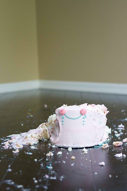How to Photograph a Cake Smash for Baby's First Birthday