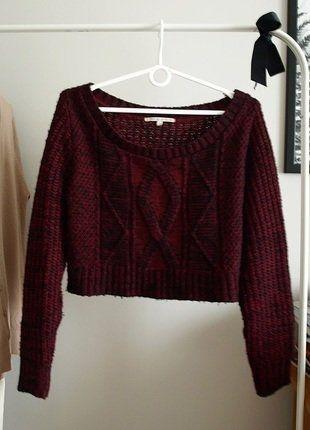 #sweter #bordowy #modny #croptop #vintedpl http://www.vinted.pl/damska-odziez/swetry-z-dzianiny/15206741-sweter-gruby-splot-bordowy-krotki-dekolt-w-lodke