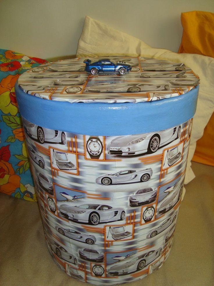 Barrica de massa corrida revestida com papel e puxador de carrinho!