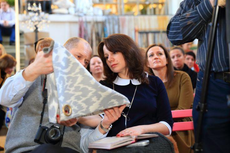 гости вечера в #galleria_arben изучают новые коллекции #fabric #ткани #новинки #news #новости #like #moscow