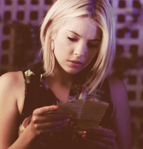 hanna marin i love pretty little liars celebrities