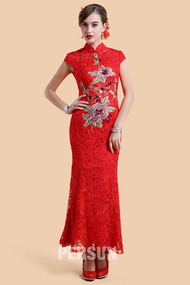 Wellington Chinese Qi Pao in Lace with Embroidery, beautiful chineses bride