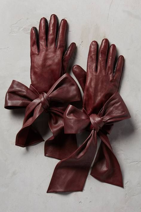 Streaming Bow Leather Gloves by Yestadt Millinery | Pinned by topista.com