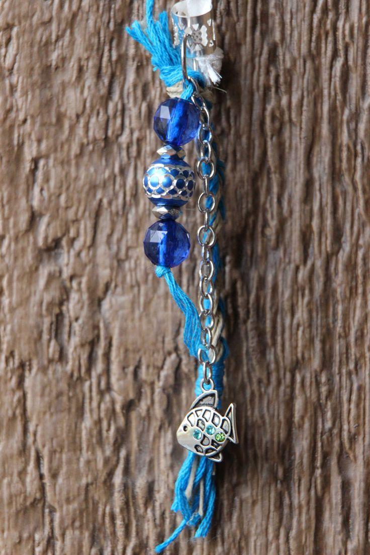 Dreads Bijoux Hippie Recyclé  Poisson argent perle de plastique bleu corde de chanvre fil bleu attache perle argent fait main Québec de la boutique DreadsQuebec sur Etsy