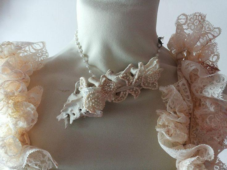 Spine necklace