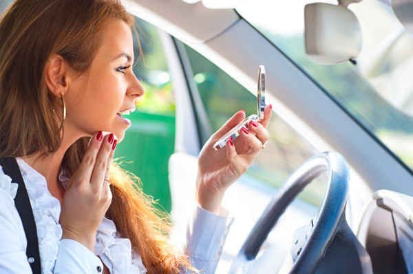 Check your makeup when you get into your car. | 27 DIY Beauty Hacks Every Girl Should Know
