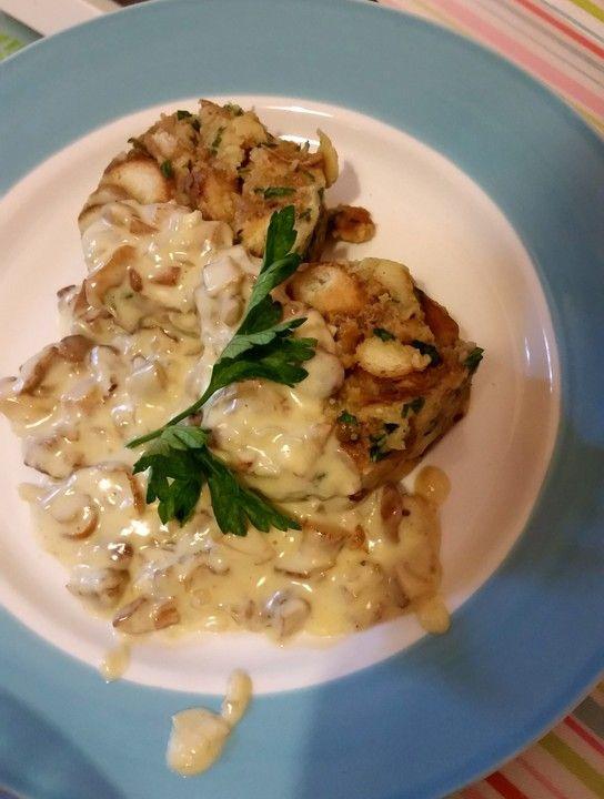 Pfifferlingsauce mit Parmesan, ein gutes Rezept aus der Kategorie Sommer. Bewertungen: 2. Durchschnitt: Ø 3,8.