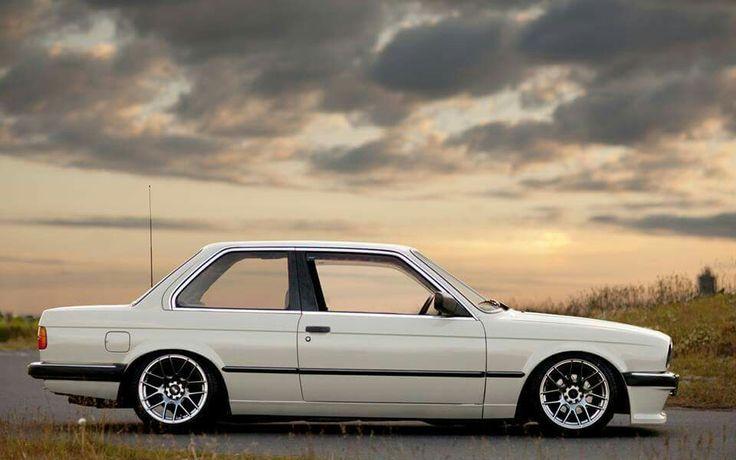 BMW E30 3 series white