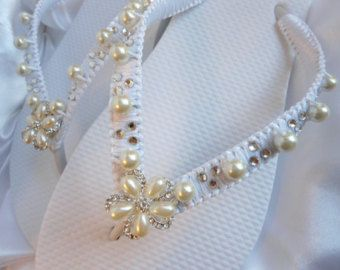 Brides Flip Flops Wedding Flip Flops por RomanticBridalDesign