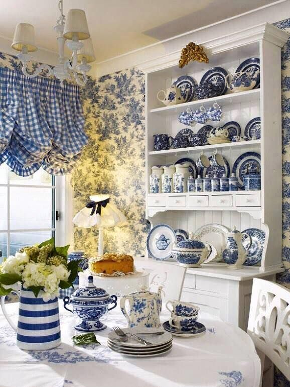 I have a cabinet very similar to this but I also have the pink willow pattern.