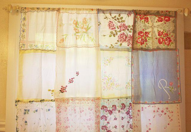 Vintage hanky curtainCrafts Ideas, Bathroom Curtains, Crafts Room, Cute Ideas, Hankie Curtains, Baby Girls Room, Hankie Panky, Vintage Hankie, Laundry Room