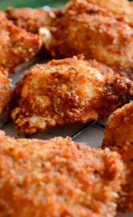 Fried Ravioli Recipe... Still looking for the Franks Hot Sauce Dips that I first had these with ... MUCHO better than plain old marinara