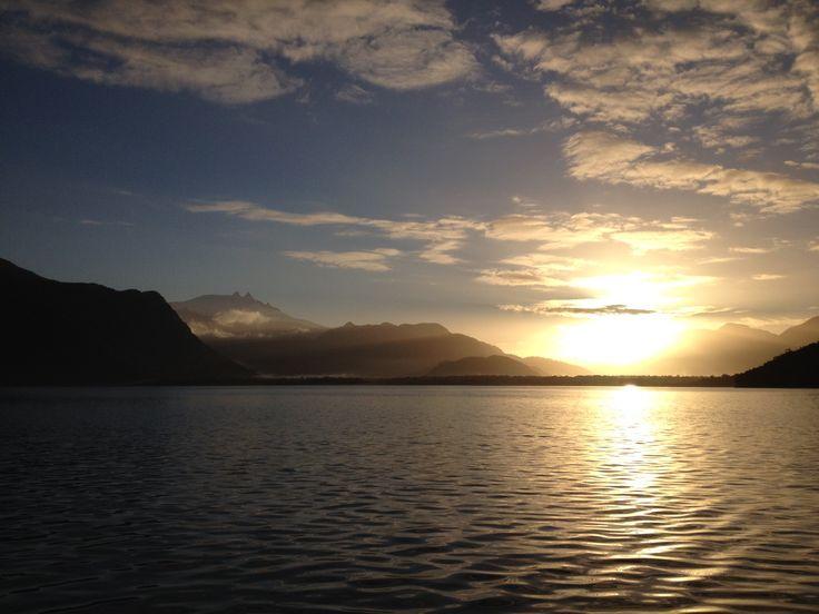 Amanecer Volcán Melimoyu.